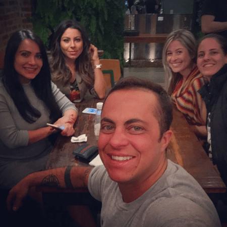 Thammy Miranda curte noite com namorada e amigas - Reprodução/Instagram/thammymiranda