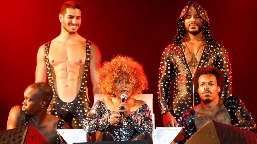 Elza Soares fez sua estreia no Rock in Rio como convidada de honra do rapper Rael no Palco Sunset - Marco Antonio Teixeira/UOL
