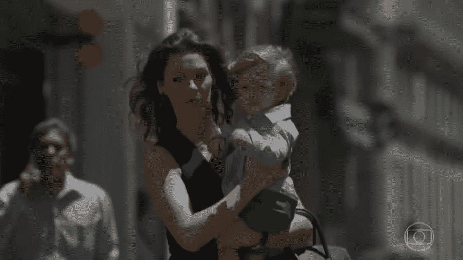 Joyce engana Ritinha e leva o filho da ex-nora embora sem o seu consentimento - Reprodução/TV Globo