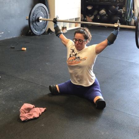 Lindsay levantando peso na academia de CrossFit - Reprodução/Instagram