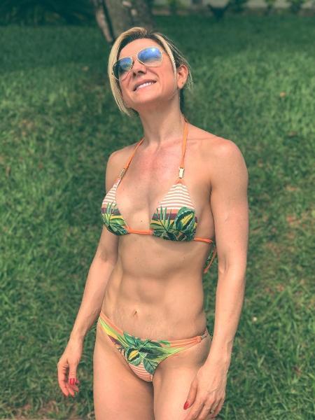 Karina Lucco tem 42 anos e não abre mão da malhação - Reprodução/Instagram/karinalucco