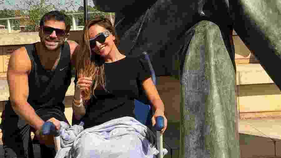 Assessoria diz que Sabrina Sato está bem e segue em repouso no hospital.  Reprodução Instagram dudanagle b9ddfc3f38