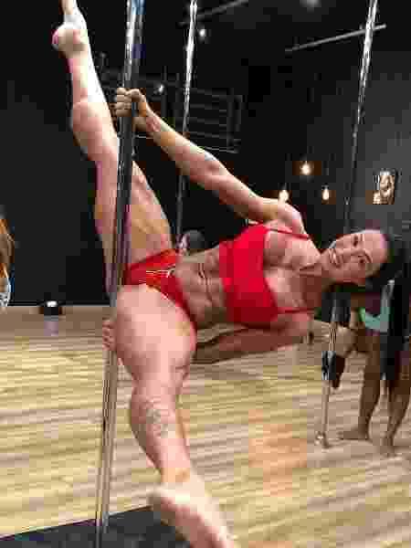 Gracyanne adora fazer aulas de pole dance e está instalando um em casa - Reprodução/Instagram - Reprodução/Instagram