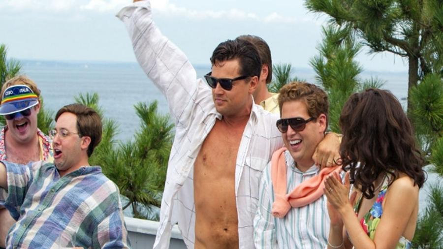 """Leonardo DiCaprio e Jonah Hill em cena de """"O Lobo de Wall Street"""" (2013) - Reprodução"""
