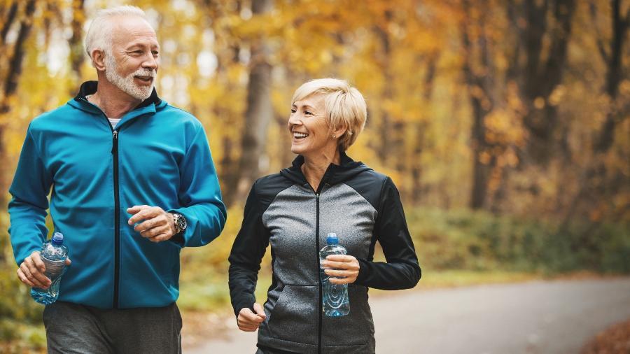 Praticar regularmente atividade física é um dos segredos para envelhecer com saúde - iStock