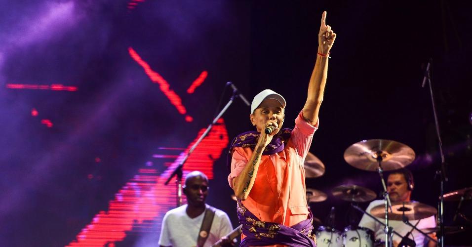 Penúltima atração a se apresentar nal Virada Salvador 2019,  Netinho relembrou antigos sucessos da axé music, nesta terça-feira (1º), último dia do evento. Foi a estreia do cantor no festival