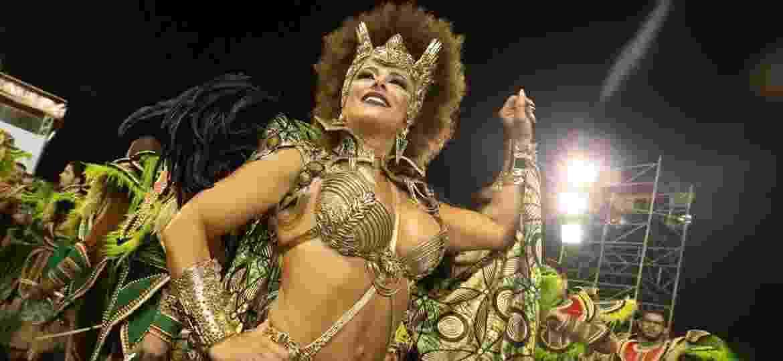 Vivi Araújo é rainha da bateria da Mancha Verde, terceira escola a desfilar no Anhembi - Ricardo Matsukawa/UOL