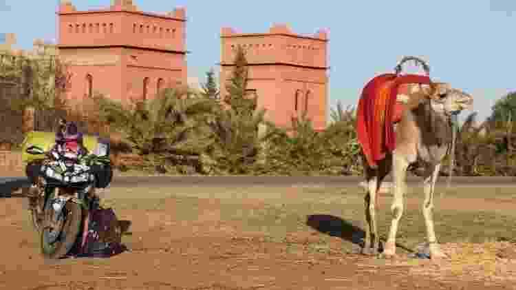 Moto estacionada no Marrocos - Arquivo pessoal - Arquivo pessoal