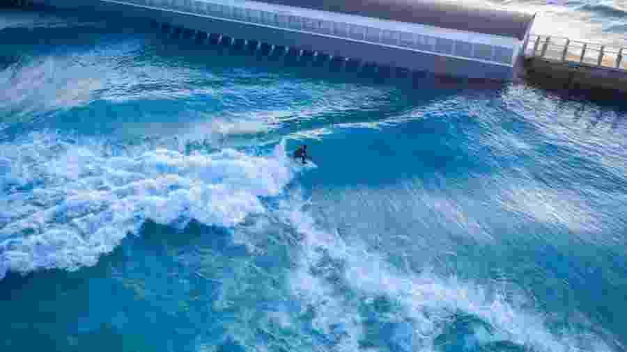 Parque The Wave custou 26 milhões de libras - Global Shots