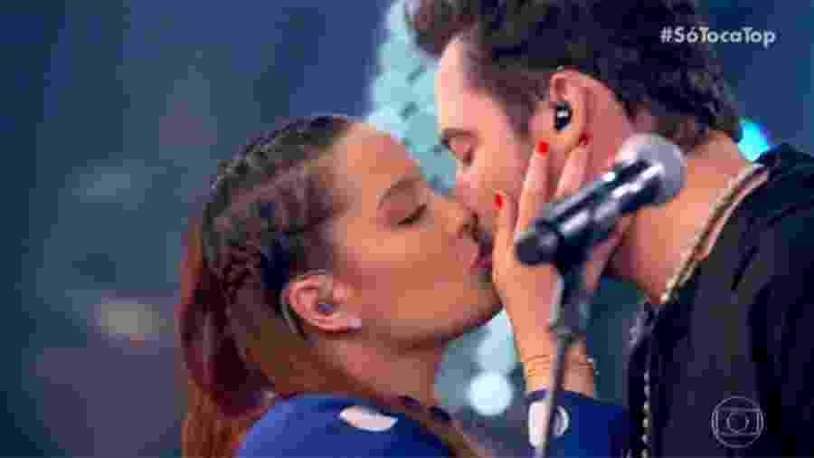 Maiara beija Fernando no SóTocaTop - Reprodução/Globo