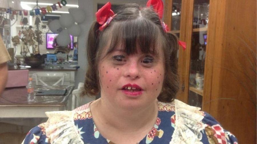 Portadora de síndrome de Down foi intubada cinco dias antes de receber primeira dose da vacina contra a covid-19 - Reprodução/Facebook
