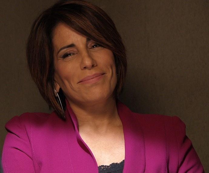 Beatriz visita Inês na cadeia e ironiza a rival: