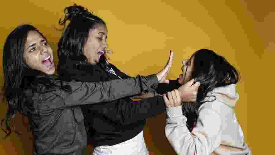 MC Loma e as Gêmeas da Lacracão fazem caras e bocas no estúdio do UOL - Lucas Lima/UOL