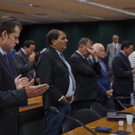 2017: deputados federais da bancada evangélica participam de culto em um dos plenários da Camara dos Deputados no Congresso Nacional  - Lalo de Almeida/ Folhapress