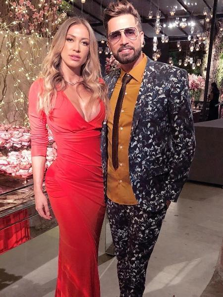 Latino e Jéssica Rodrigues no casamento de Nicole Bahls - Reprodução/Instagram
