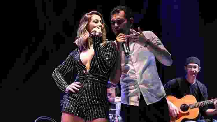 Carol & Vinícius é o nome da dupla formada pela ex-panicat Carol Narizinho - Divulgação - Divulgação