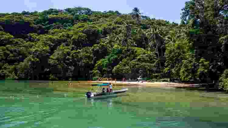 Praia da Crena, em Ilha Grande, Rio de Janeiro - Cesar Okada/Getty Images - Cesar Okada/Getty Images