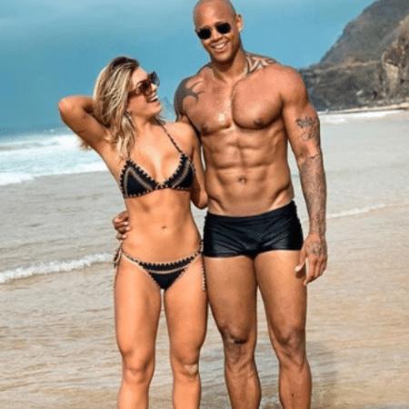 Lorena Improta e Léo Santana na foto em que ela afirma ter editado - Reprodução/Instagram