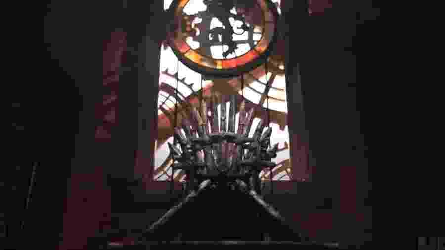 Trono de Ferro também apareceu na abertura - Reprodução
