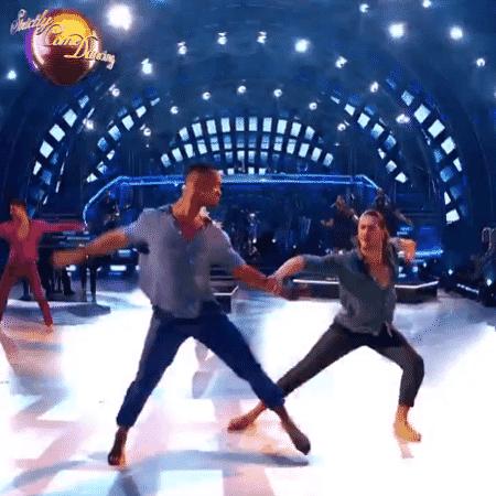 Casal gay faz sua estreia no Strictly Come Dancing - Reprodução/Twitter