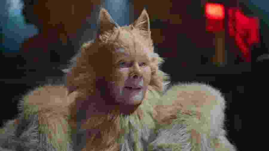 Judi Dench (Old Deuteronomy) em cena de Cats - Divulgação