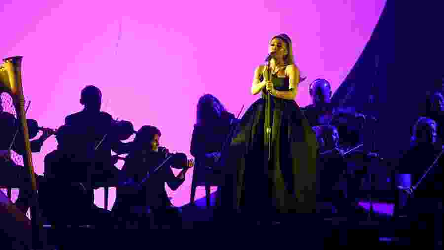 Ariana Grande durante performance no Grammy 2020 - Kevin Winter/Getty Images for The Recording Academy