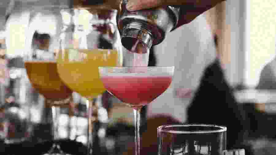 """""""Atacar de"""" bartender pode ser uma diversão durante o isolamento - Unsplash"""