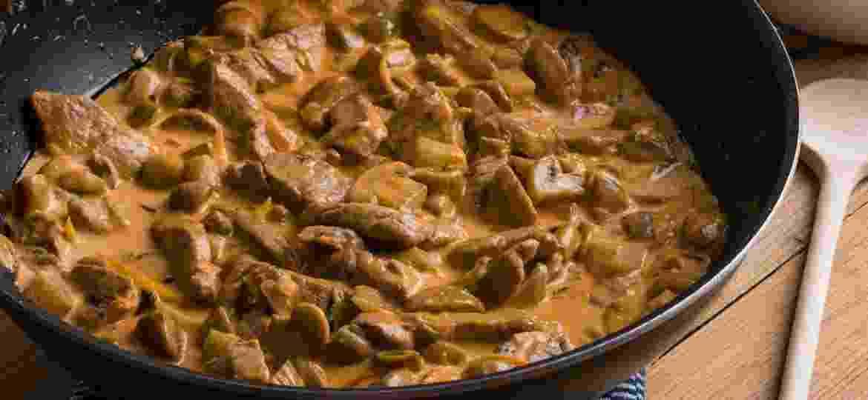 Estrogonofe pode ter variações deliciosas - de churrasco a versões doces - Getty Images