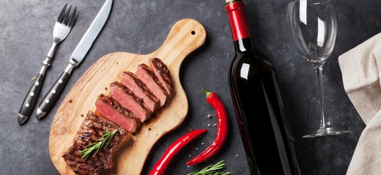 Churrasco e vinho é uma combinação já bem tradicional entre os hermanos que tem tudo para pegar no Brasil - Getty Images