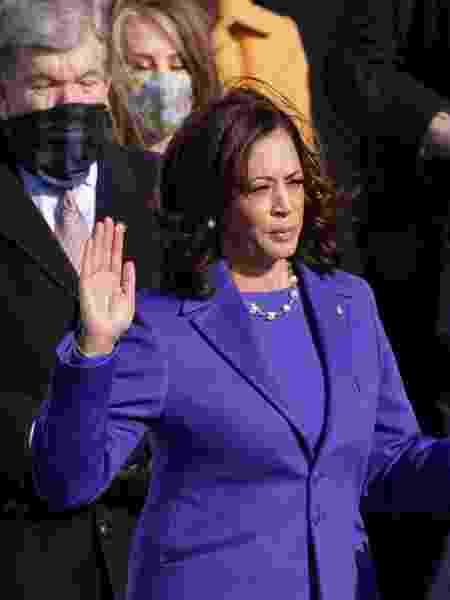 A vice-presidente dos EUA fazendo o juramento - Getty Images - Getty Images
