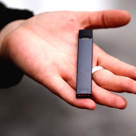 Análise de mais de 20 pesquisas em diferentes países atesta que adeptos do cigarro eletrônico têm mais chances de migrarem para fumo de tabaco - Josie_Desmarais/Istock