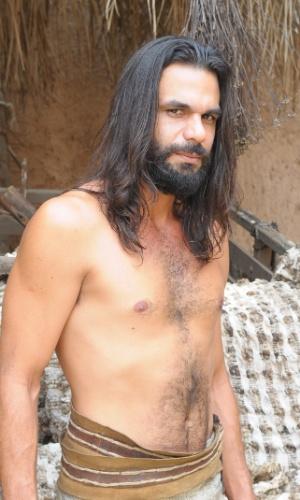 """Zelofeade (Felipe Cardoso) é um homem bom e considerado um dos bonitões de """"Os Dez Mandamentos"""""""