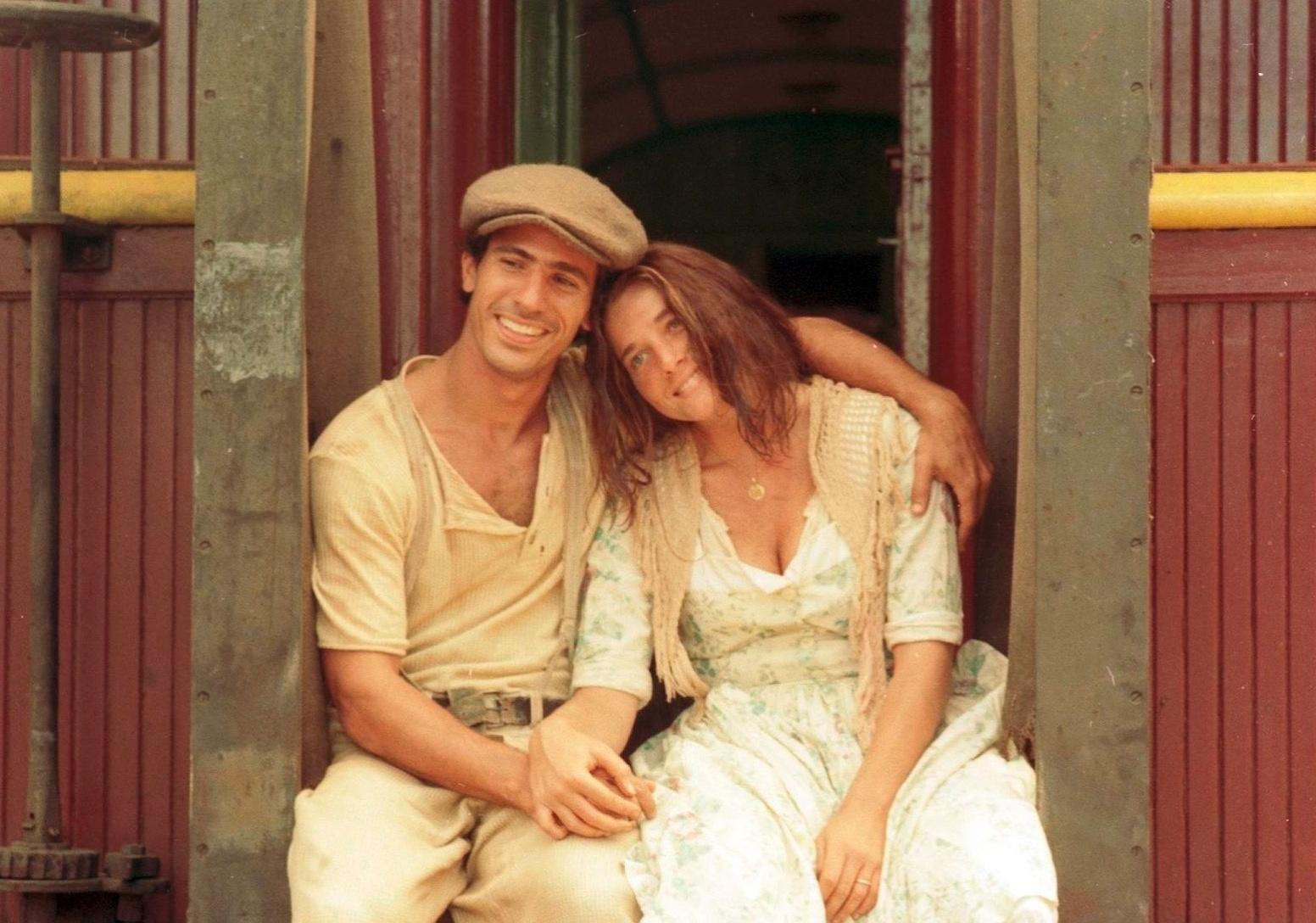 Leonardo Brício (Enrico) e Letícia Spiller (Giovanna) em