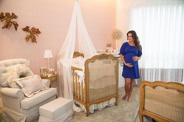 """27.nov.15 - Deborah Secco mostra o quarto de Maria Flor, a sua filha, que deve nascer em dezembro. """"Um sonho que está se tornando realidade"""", definiu a atriz em seu Instagram"""