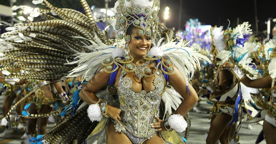 8.fev.2017 - Musa da Beija-Flor durante desfile da escola que homenageou o Marquês de Sapucaí