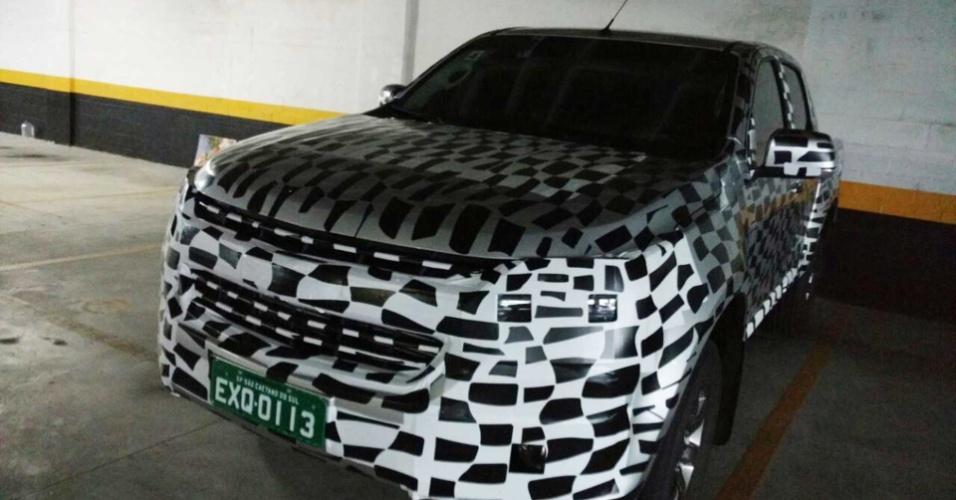 Flagra de Chevrolet S10 reestilizada