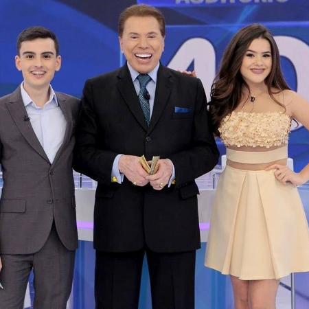 Dudu Camargo, Silvio e Maisa nos bastidores do programa exibido no dia 17 - Reprodução/SBT