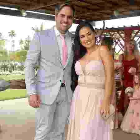 A cantora Simone Mendes, da dupla com Simaria, posa com o marido, Kaká Diniz - Manuela Scarpa/Brazil News