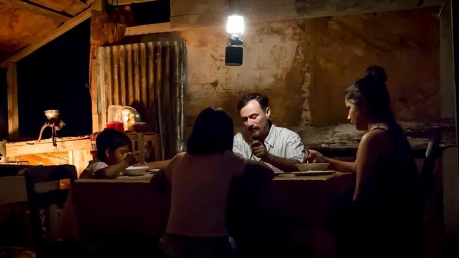 """Cena do filme """"Los Silencios"""", de Beatriz Seigner, que conta com Enrique Diaz no elenco - Divulgação"""