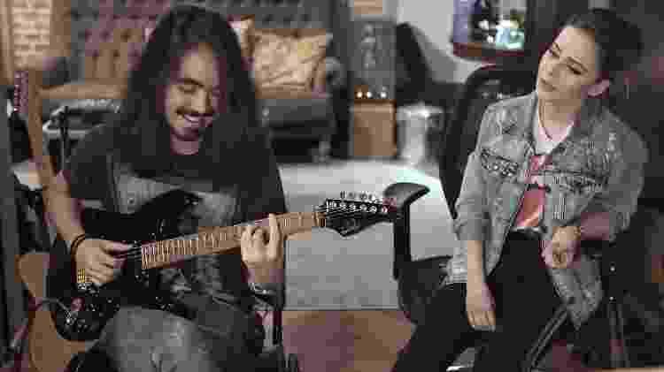 Mateus Asato e Sandy - Reprodução/YouTube - Reprodução/YouTube