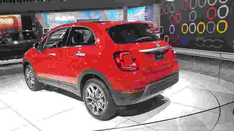 Fiat 500X estava deslocado em meio aos modelos grandalhões e abrutalhados de Dodge e Jeep - Fernando Miragaya/UOL