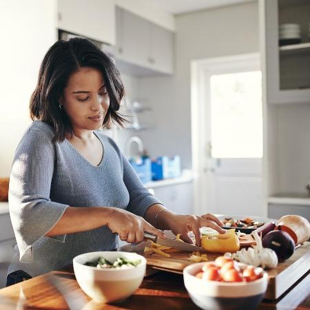 Molhos caseiros são mais saudáveis do que os comprados em mercado - iStock