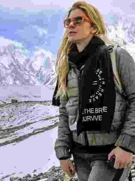 Na estreia de seu blog, Karina Oliani conta os desafios para escalar o K2, montanha mais perigosa do mundo - Reprodução do Instragram @karinaoliani