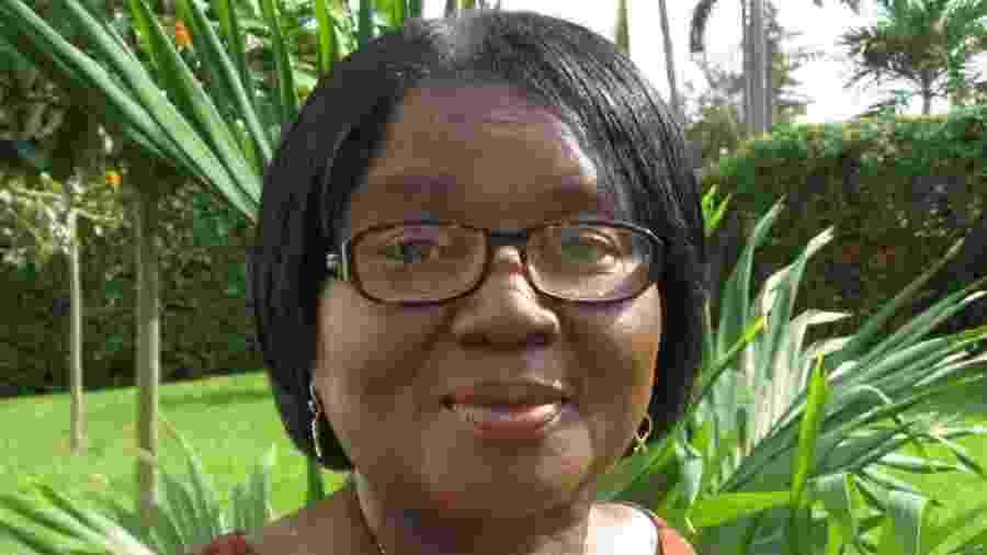 Elizabeth Ohene, hoje com 74 anos, compartilhou no maior jornal de seu país os abusos sexuais que sofreu na infância - BBC