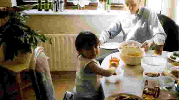 Tasnim avô - BBC THREE/FAMILIA LOWE - BBC THREE/FAMILIA LOWE