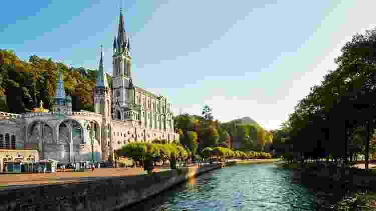 Catedral de Lourdes, na região dos Pirineus (França) - Getty Images