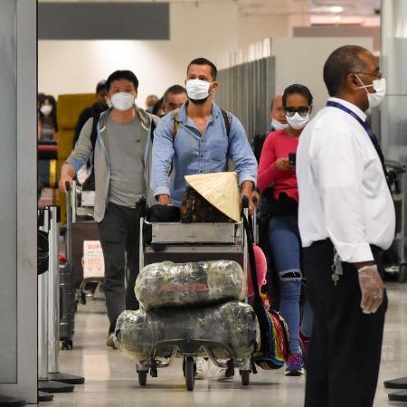 Empresa pede aos funcionários que tenham viajado aos países de zona de risco que trabalhem de casa por 14 dias - Roberto Casimiro