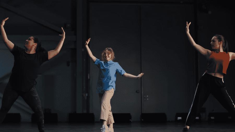 No filme, uma estudante exemplar precisa aprender a dançar para conseguir uma vaga na universidade de seus sonhos - Reprodução/YouTube