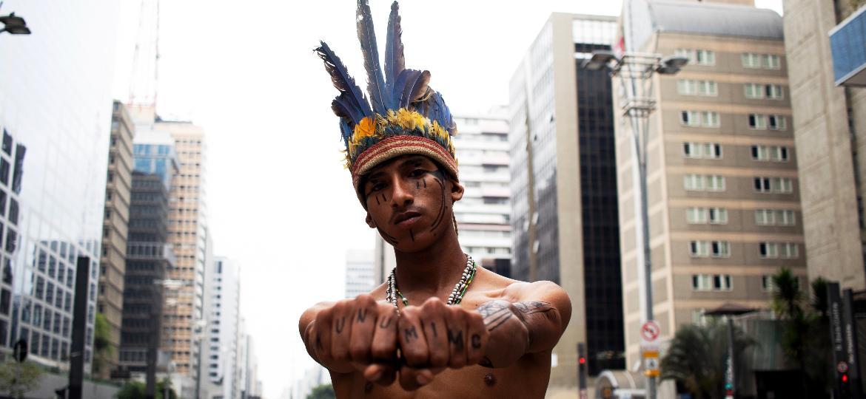 O cantor de Rap Nativo Kunumi MC - Aruan Viola/ Divulgação