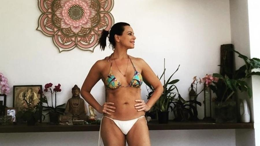 Vanessa Gerbelli posa de biquíni  - Reprodução/Instagram